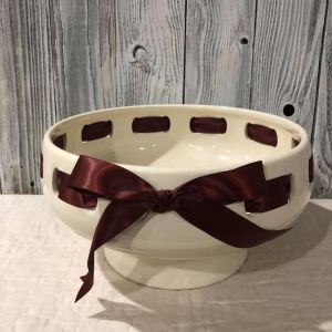 Large Table Piece with Ribbon